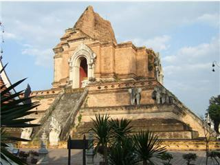 Learn history of Wat Chedi Luang