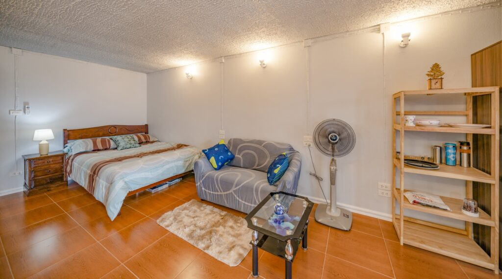 Condo big lounge, fully furnished, kingsize bed and dining table